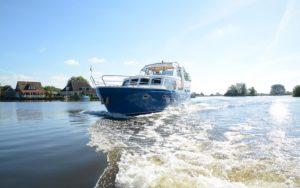 Boot-Huren-Friesland-Zonder-Vaarbewijs-HW9-Grou