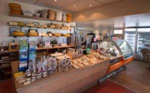 Zonnestralen-Vangen-Met-Pasen-Ijsboerderij-Akkrum-Streekwinkel