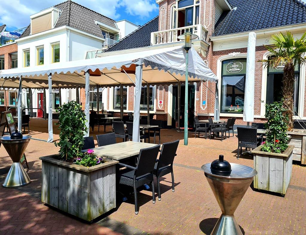 Boot-Huren-En-Dineren-Aan-Boord-De-Jongens-Van-Joure-7