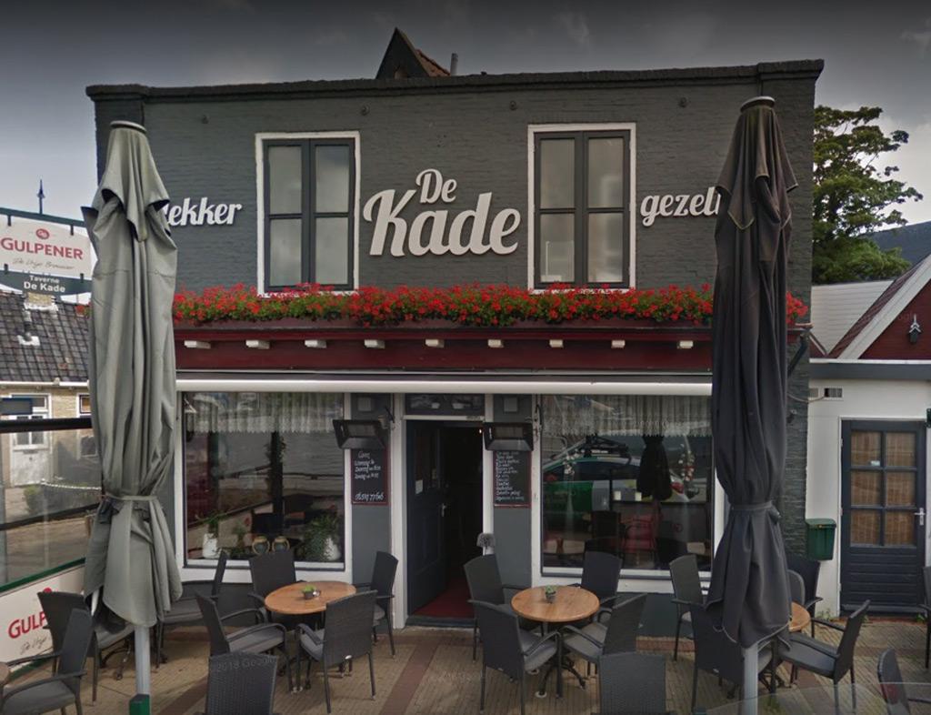 Boot-Huren-En-Dineren-Aan-Boord-De-Kade-4