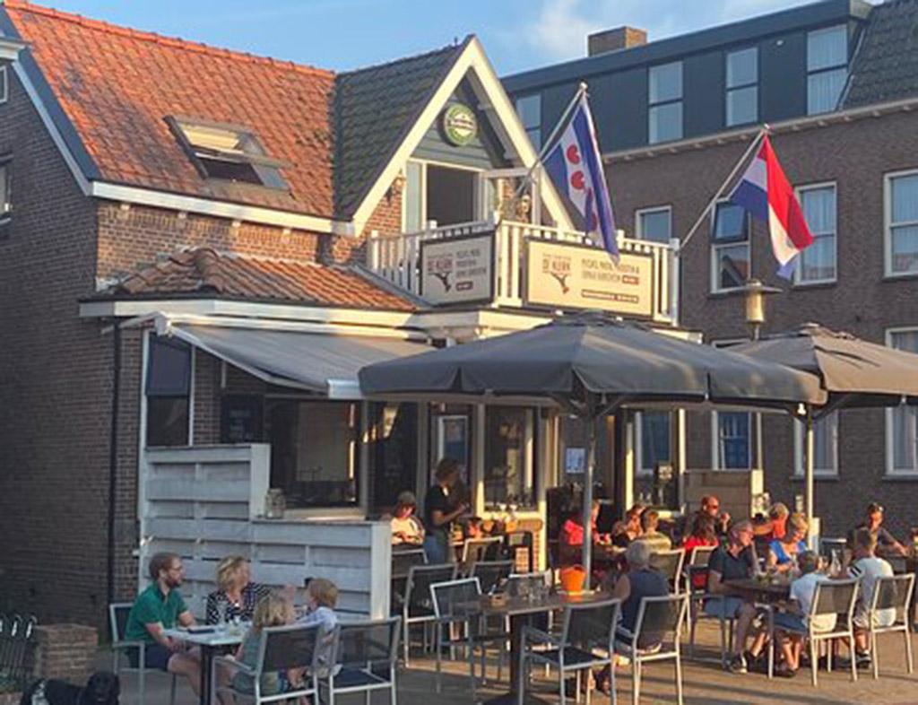 Boot-Huren-En-Dineren-Aan-Boord-Proeflokaal-De-Klerk-Woudsend-6