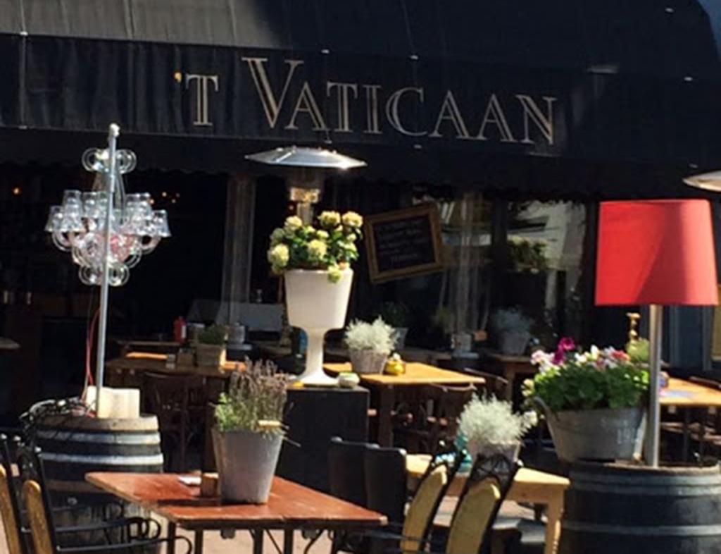 Boot-Huren-En-Dineren-Aan-Boord-Vaticaan-Sneek-1